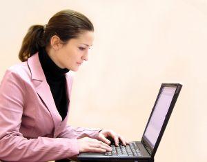 Biztosítási alkuszok online: ajánlatok és cégek összehasonlítása