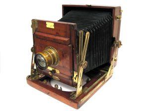 A fényképezés fejlődése: a fényérzékelő lemeztől a digitális gépekig