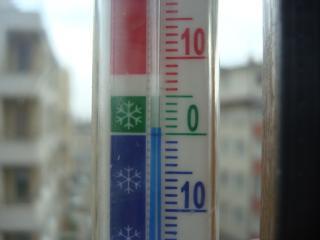 Alapvető teendők a biztonságos téli vezetésért