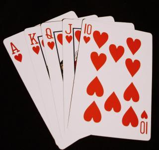 Szórakozás őszi estékre: kártyajátékok