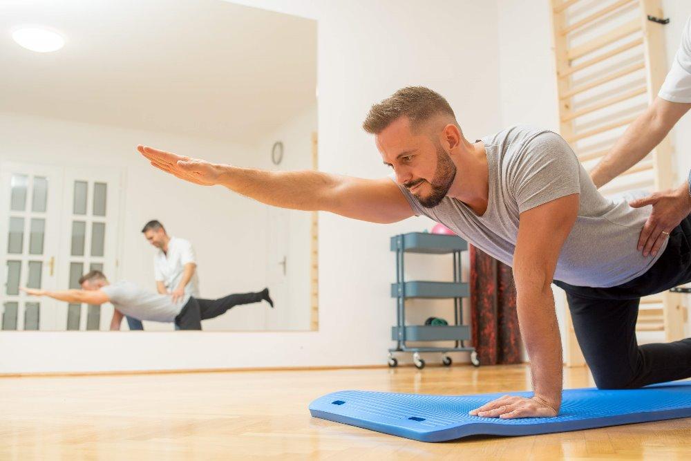 Gyógytorna gyakorlatok gerincre: mire érdemes figyelni?